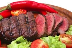 grillade steakgrönsaker för nötkött meat Arkivfoton