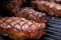 grillade steaks royaltyfria bilder