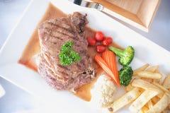 grillade steaks Arkivbild