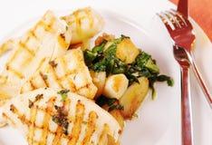 Grillade tioarmad bläckfisk med potatisen Royaltyfri Fotografi