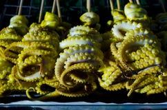 Grillade tioarmad bläckfisktentakel Royaltyfria Foton