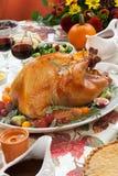 Grillade Turkiet på skördtabellen Arkivfoto