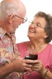 Grillage aîné heureux de couples Photos libres de droits