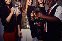Grillage avec Champagne Flutes Photo stock