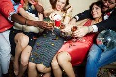 Grillage avec des boissons Image libre de droits