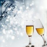 Grillage avec des verres de champagne photos stock