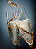 Grillage avec le champagne d'or de scintillement Image stock