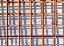 Grillage en acier au chantier de construction photographie stock libre de droits