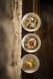Grillat ägg för choziro för ostron för jerusalem kronärtskocka varmt i pilbåge tre royaltyfri foto