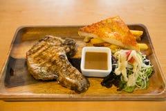 Grillat biff stekt griskött, Royaltyfri Fotografi