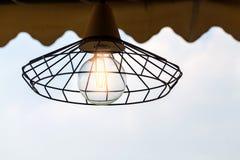 Grille świecznika lampa z neonowymi światłami Zdjęcia Stock