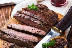 Grilled用了卤汁泡牛后腹肉排 免版税图库摄影