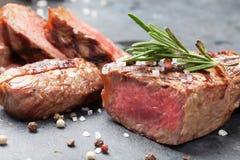 Grilled отрезало стейк говядины Стоковые Фото