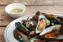 Grilled  asian green mussel Royalty Free Stock Photos