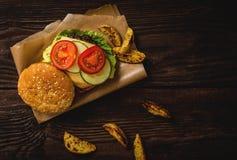 Grilled beef hamburger Royalty Free Stock Photos