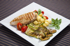 Grilled chicken breast w grilled aubergine Stock Photography