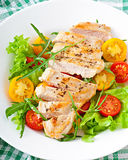 Grilled chicken breasts and fresh salad Royalty Free Stock Photos