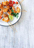 Grilled chicken kebabs with tikka masala sauce Stock Images
