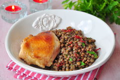 Grilled chicken with a lentil, olive oil and parsley Royalty Free Stock Photography