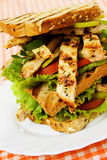 Grilled chicken sandwich Royalty Free Stock Images