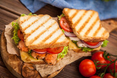 Grilled chicken sandwich Royalty Free Stock Photos