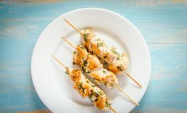 Grilled chicken skewers with herbs Royalty Free Stock Images