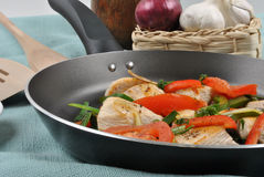 Grilled chicken and vegetable pan Royalty Free Stock Photos
