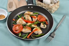 Grilled chicken and vegetable pan Stock Photography