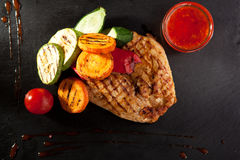 Grilled Chicken with Vegetables Stock Photography