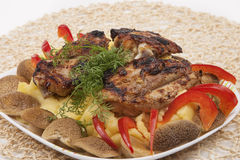 Grilled fresh meat with mash potato, mashrooms and vegatables Stock Images