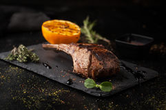 Grilled lamb rack with spices Royalty Free Stock Images