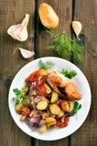 Grilled mezcló la verdura con el prendedero del pollo Imagen de archivo libre de regalías
