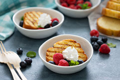 Grilled pound cake with fresh berries Royalty Free Stock Photo