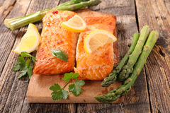 Free Grilled Salmon And Asparagus Royalty Free Stock Photos - 84442378
