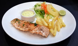 Grilled Salmon with Fresh Salad Stock Photography