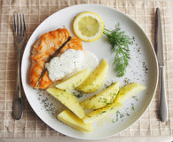 Grilled salmon with potato Royalty Free Stock Photos