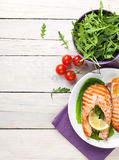 Grilled salmon and salad Royalty Free Stock Images
