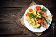 grilled salmon steak στοκ φωτογραφίες με δικαίωμα ελεύθερης χρήσης