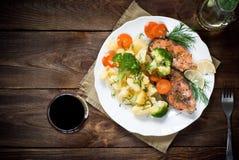 grilled salmon steak στοκ φωτογραφίες