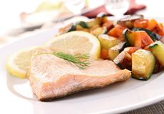 Grilled salmon and vegetable Royalty Free Stock Photography