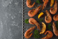 Grilled shrimp with lemon Stock Photography
