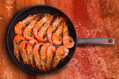 Grilled shrimp seafood in round pan Stock Photos