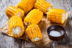 Grilled sweet corn with salt Royalty Free Stock Photography