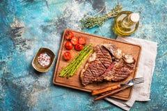 Grilled t-bone or porterhouse steak Royalty Free Stock Images