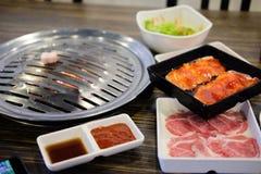Grillen der koreanischen Grillart des Schweinefleisch Lizenzfreies Stockbild