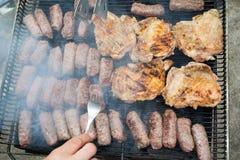 Grillen des Fleisches Stockfotografie