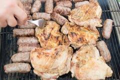 Grillen des Fleisches Stockfotos