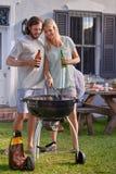 Grillende Paare Lizenzfreies Stockfoto