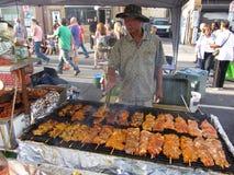 Griller des Kabobs de poulet Images stock
