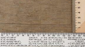 Grilles de tabulation sur le fond en bois Photographie stock